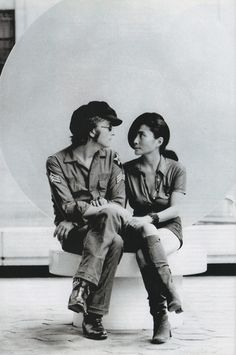 Alternative take on one of the most iconic shots of John & Yoko, plus one of my all-time fave shoots of them.