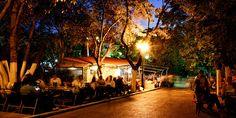 12 αθηναϊκά καφενεία για καφέ στη λιακάδα Kai, Sidewalk Cafe, Coffee Places, Athens, Nostalgia, Greek, City, Memories, Greek Language