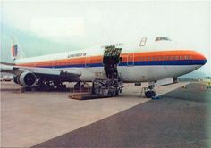 February 24, 1989 - United Airlines Flight 811, a Boeing 747-100, bound for Auckland, New Zealand rips open in mid-air, shortly after its departure from Honolulu International Airport. The reason was a cargo-door failure, resulting in large pressure differentials and ripping 10 business seats - including 9 passengers - out of the climbing plane. These 9 were killed by the incident, another 38 passengers and crew members were injured. #history #airline #united