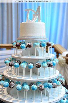 Cake Pops - Love the stand. Would be easy to make!