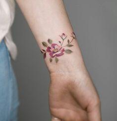 Tattoos Future Tattoos, New Tattoos, Body Art Tattoos, Small Tattoos, Girl Tattoos, Music Tattoos, Beautiful Flower Tattoos, Pretty Tattoos, Tattoo Studio