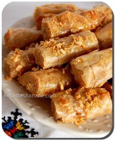 Une recette que j'ai réalisé l'année dernière pour le supplément du magazine &Le courrier de l'atlas& un livré intitulé « le guide des saveurs du ramadan » dont je vous ai parlé ici clic . Ingrédients : La farce : · 300g de poudre d'amande · 130g de sucre... Keto Diet For Beginners, Recipes For Beginners, Morrocan Food, Algerian Recipes, Algerian Food, Arabic Food, Finger Foods, Coco, Cake Recipes