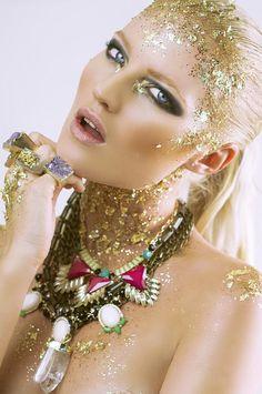 Beauty - Gold On The Rocks 4