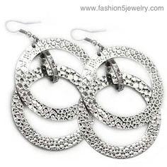 Paparazzi earrings $5 loripaparazzi@gmail.com Join my team for an awesome future! www.paparazziaccessories.com/16214