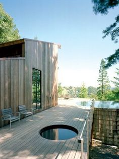 If that small circular cut-out is a spa then I have died and gone to heaven. Californian cabin of Architect Olle Lundberg. sauna hot tub Olle Lundberg's Cabin Saunas, Innovative Architecture, Wood Architecture, Cabins In The Woods, Cabana, Tiny House, Outdoor Living, Backyard, Places