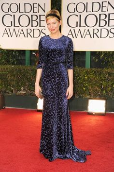 We love Michelle Williams! This Jason Wu dress looks great on her and love the addition of a headband! #GoldenGlobes2012