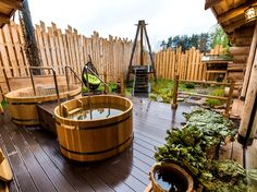 Marvelous Backyard Privacy Fence Decor Ideas on A Budget 60 Diy Pergola, Backyard Privacy, Outdoor Pergola, Backyard Landscaping, Outdoor Decor, Outdoor Sauna, Outdoor Baths, Outdoor Showers, Spa Bathroom Decor