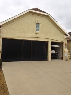 Lifestyle screens for your garage. Cool Screens Texas coolscreenstexas@hotmail.com Be the first on your block to have one...