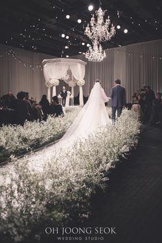 김희경신부님            결혼을 진심으로 축하드립니다             신라호텔           Photographed by Oh Joong Seok Wedding Studio     +82 2 569-6031 Church Wedding Flowers, Wedding Ceremony, Wedding Hall Decorations, All White Wedding, Korean Wedding, Glamorous Wedding, Wedding Photography, Weddings, Wedding Decoration