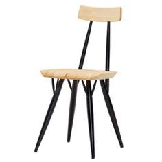 Pirkka-tuoli, suunnittelija Ilmari Tapiovaara / Pirkka chair designed by Ilmari Tapiovaara