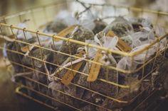 Offrez le parfum de la Provence  💐  #ateliertraiteur #artisaninspiré #weddinginspiration #weddingideas #southoffrance