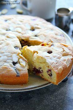 Coconut Sponge Cake, Almond Coconut Cake, Almond Cakes, Coconut Cakes, Sponge Cake Recipes, Cookie Recipes, Bluberry Cake, Lemon Cream Cake, Poke Cakes