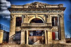 The old Gary, Indiana Union Station sits abandoned after decades of weathering. This building has been abandoned since at least the mid Old Abandoned Buildings, Abandoned Property, Abandoned Mansions, Old Buildings, Abandoned Places, Abandoned Prisons, Most Haunted, Haunted Places, Indiana Cities