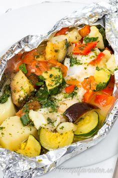 Zucchini, Pesto, Cobb Salad, Potato Salad, Food And Drink, Cooking Recipes, Ethnic Recipes, Chef Recipes