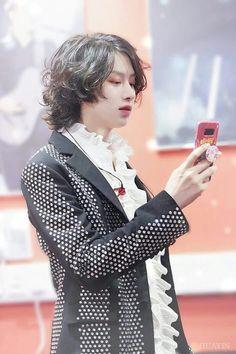 Hallo darling how are you? Kim Heechul, Siwon, Leeteuk, Super Junior, K Pop, Stan Love, Best Kpop, Stylish Boys, Most Handsome Men