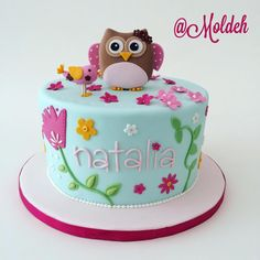 Pastel para shower de bebé niña con diseño de búho, pajarito y flores en rosa y menta // Owl, bird and flowers baby girl shower cake in mint and shades of pink