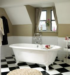 A stunning claw foot bath by #Victoria+Albert The perfect centerpiece for a bathroom in a Victorian or Edwardian property