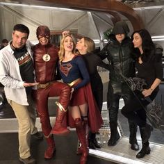 """Jes Macallan on Instagram: """"It's happening. It's all happening. Right now east coast... west coast soon! @cw_legendsoftomorrow season finale! I hope you enjoy watching…"""" Legends Of Tomorrow Cast, Legends Of Tommorow, The Cw Shows, Dc Tv Shows, Supergirl 2015, Supergirl And Flash, City Of Heroes, Dc Heroes, Best Series"""