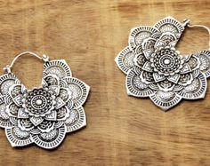 Antiquefinish Ohrringe-indische Ohrringe-Hoop von ZamarutJewel