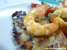 Já por várias vezes referi cá no blog que somos fãs de camarão. É um petisco bastante cozinhado por aqui 🙂 Aos fins de semana os nossos jantares são mais à base de petiscos, cada um come o que mais gosta, e o camarão é sempre bem vindo! Hoje mostro a facilidade com que seRead More »