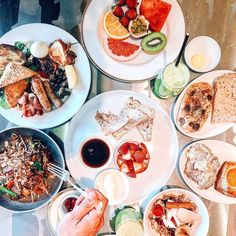 Buffet brunch walk in welcome. : : : Photo by Melbourne escapes Brunch Buffet, Breakfast Buffet, Rooftop Bars Nyc, Welcome Photos, Melbourne, Tasty, Drink, Life, Ideas