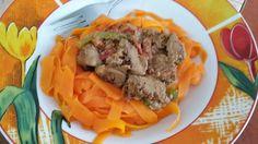 Zvířátkový den - mrkvové špagety s masem.