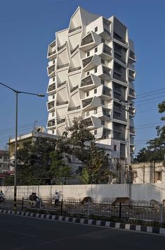 A unique residential tower in Raipur India by Sanjay Puri Architects Residential Building Design, Civil Construction, Tower Design, Student House, Private Garden, Willis Tower, Art And Architecture, Skyscraper, Multi Story Building
