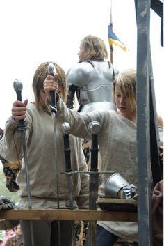Hämeen keskiaikamarkkinat - Häme Medieval Faire 2008, Miekat - Young Swords, © Timo Martola