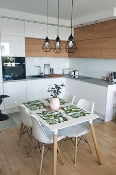 Other setup: kitchen corner with dining area. Plus large dining room? - Other setup: kitchen corner with dining area. Plus large dining room? Home Decor Kitchen, Kitchen Interior, New Kitchen, Home Kitchens, Kitchen Ideas, Kitchen White, Kitchen Wood, Kitchen Cabinets, Kitchen Utensils