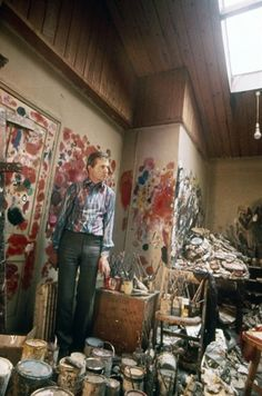 Francis Bacon, in his studio, 1974 - photo by Michael Holtz Credits : Michael Holtz Estate / Photo 12 www.photo12.com