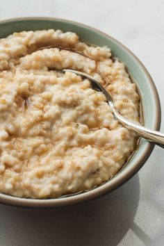 The Ultimate Guide to Oatmeal and links to many yummy recipes!