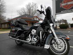 2013 H-D® Electra Glide® Classic. Vivid Black. #hdofgreensboro #Electraglide #classic #greensboro #Vivid #black #motorcycles #bikes #harley #harleydavidson
