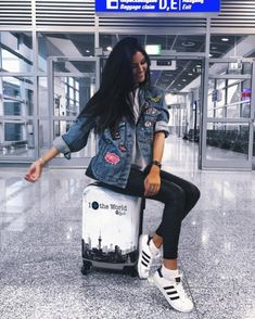 Fotos airport 35 Fabulous Bling Women Outfits for Travel Airport Style Girl Photography, Travel Photography, Travel Pose, Airport Photos, Girly Outfits, Travel Outfits, Summer Outfits, Casual Outfits, Airport Style