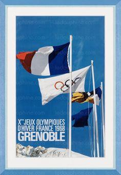GRENOBLE 1968 (du 3 au 13  février) - Constantin est l'auteur de cette affiche. Il a travaillé d'après une photographie des Français Alain Perceval et Machaeschev. Le procédé d'impression offset est désormais utilisé sur tous les continents et, cette fois, par L. Delaporte (Paris), qui a tiré cette affiche à 50 000 exemplaires.