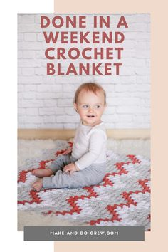 Crochet an entire baby blanket this weekend! This modern baby blanket from Make and Do Crew is quite easy and works up in a couple days, making it great for a last-minute baby shower gift or charity donation. Once you finish one, you'll want to whip one up for every cute, squishy kiddo in your life. Free fast   easy crochet blanket pattern featuring Lion Brand Yarn.     #makeanddocrew #easycrochetbabyblanket #crochetrippleblanket Crochet Ripple Blanket, Crochet Blanket Patterns, Baby Patterns, Crochet Afghans, Crochet Blankets, Crochet Stitches, Crochet Cowls, Baby Afghans, Fast Crochet