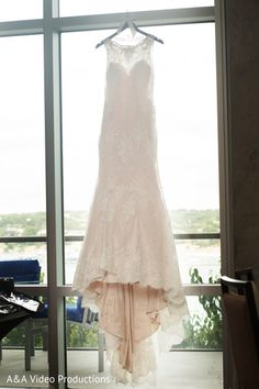 Elegant Wedding Gown http://www.maharaniweddings.com/gallery/photo/81750