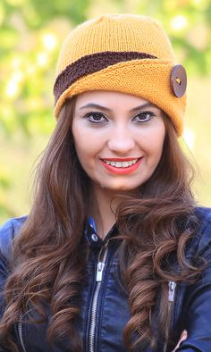 Womens knit hat, Lucy Hat with a button,