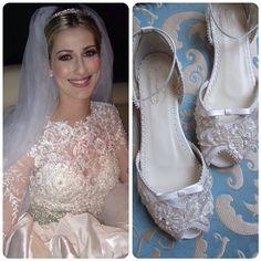 Mais uma Noivinha especial e linda que se casou ontem em Redenção- Pará. Tici escolheu uma delicada flat bordada e com aplicações de rendas. Felicidades Tici e Neto. @ticianekuhnen vestido @lucasanderi tiara @malcade beleza @ed_oliveiramake e meus sapatos @aline_almeidaprado #sapatofeitosobmedida  #sapatofeitoamao #sapatodenoiva #alinealmeidaprado