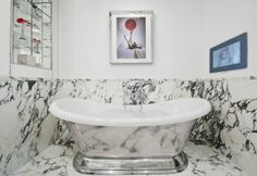 10-Outrageously-Stunning-Hotel-Bathrooms-That-Will-Mesmerize-You-6 10-Outrageously-Stunning-Hotel-Bathrooms-That-Will-Mesmerize-You-6