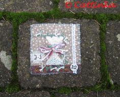 Carre de Noel 22   Flickr - Photo Sharing! Stone, Outdoor Decor, Home Decor, Noel, Embroidery, Rock, Decoration Home, Room Decor, Rocks