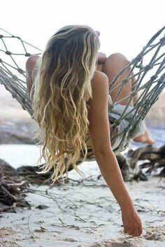 Give your hair natural, volumizing waves reminiscent of a day at the beach with this Beach Hair Spray. Hair Body and Soul: Beach Hair Spray - Heal - Herb Companion Surf Hair, Beach Wave Hair, Brown Beach Hair, Beach Blonde, Brown Hair, Balayage Blond, Blonde Hair, Wavy Hair, Blonde Plage