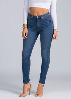 You can't decide what to wear? It'll be easy to fix this problem if you have staple skinny jeans in your closet.