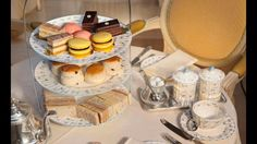 Must Eat~ Ok I admit, I have never been to the Ritz hotel and what a better way to pay them a visit for afternoon tea.