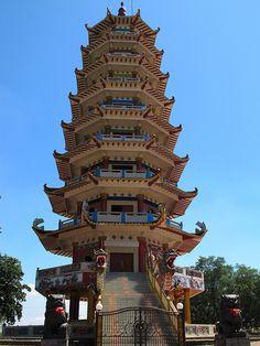Pagoda @ Kemaro Island, Sumatra, Indonesia by sanshine2010, via Flickr  A pilgrimage place for Indonesian Chinese.