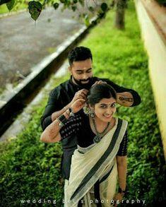 Indian Wedding Couple Photography, Wedding Couple Poses Photography, Couple Photoshoot Poses, Girl Photography Poses, Wedding Photoshoot, Wedding Shoot, Photoshoot Ideas, Wedding Couples, Indian Photoshoot