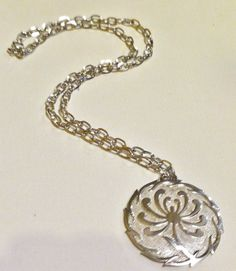 VINTAGE CROWN TRIFARI ABSTRACT SILVER PLATED MEDALLION CHAIN NECKLACE 1960''s #Trifari #Pendant