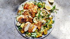 Grilled Chicken Thighs with Charred Corn and Summer Squash Grilled Chicken Thighs, Grilled Chicken Recipes, Grilled Meat, Chicken Breasts, Grilling Recipes, Cooking Recipes, Bbc Recipes, Barbecue Recipes, Salads
