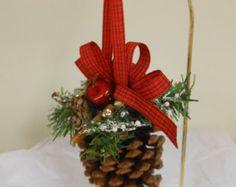 Mini pino cono ornamento de la corona con por RedbirdCountryDecor