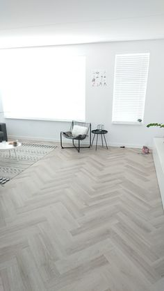 Home - Bebo Vloeren Grey And White Rug, Home And Living, Living Room, Vinyl Flooring, Floor Rugs, Interior Design Inspiration, Decoration, Interior Decorating, Sweet Home