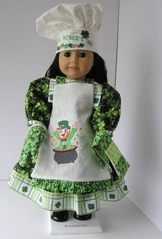 St Patricks Day Apron and Chef Hat. $20.00, via Etsy.